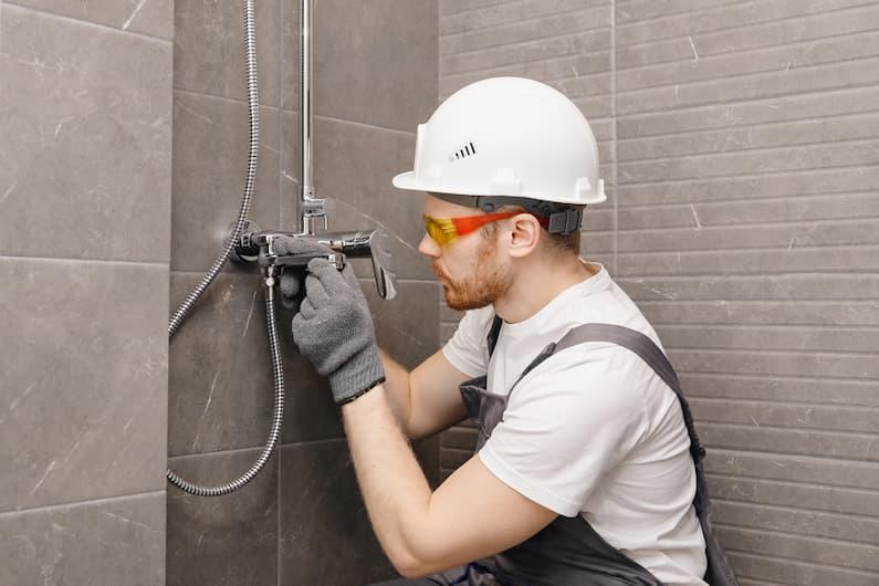 Cambiar la bañera por una ducha, pros y contras